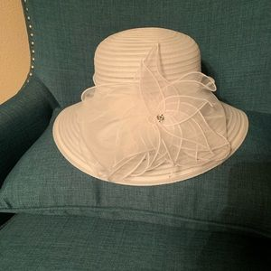 Women's Straw and Sheer Hat